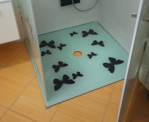 modeli tus kabina na raspolaganju u salonu keramike i sanitarije gea
